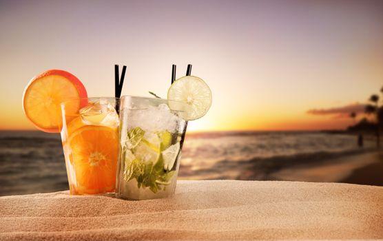 Фото бесплатно закат, море, коктейль