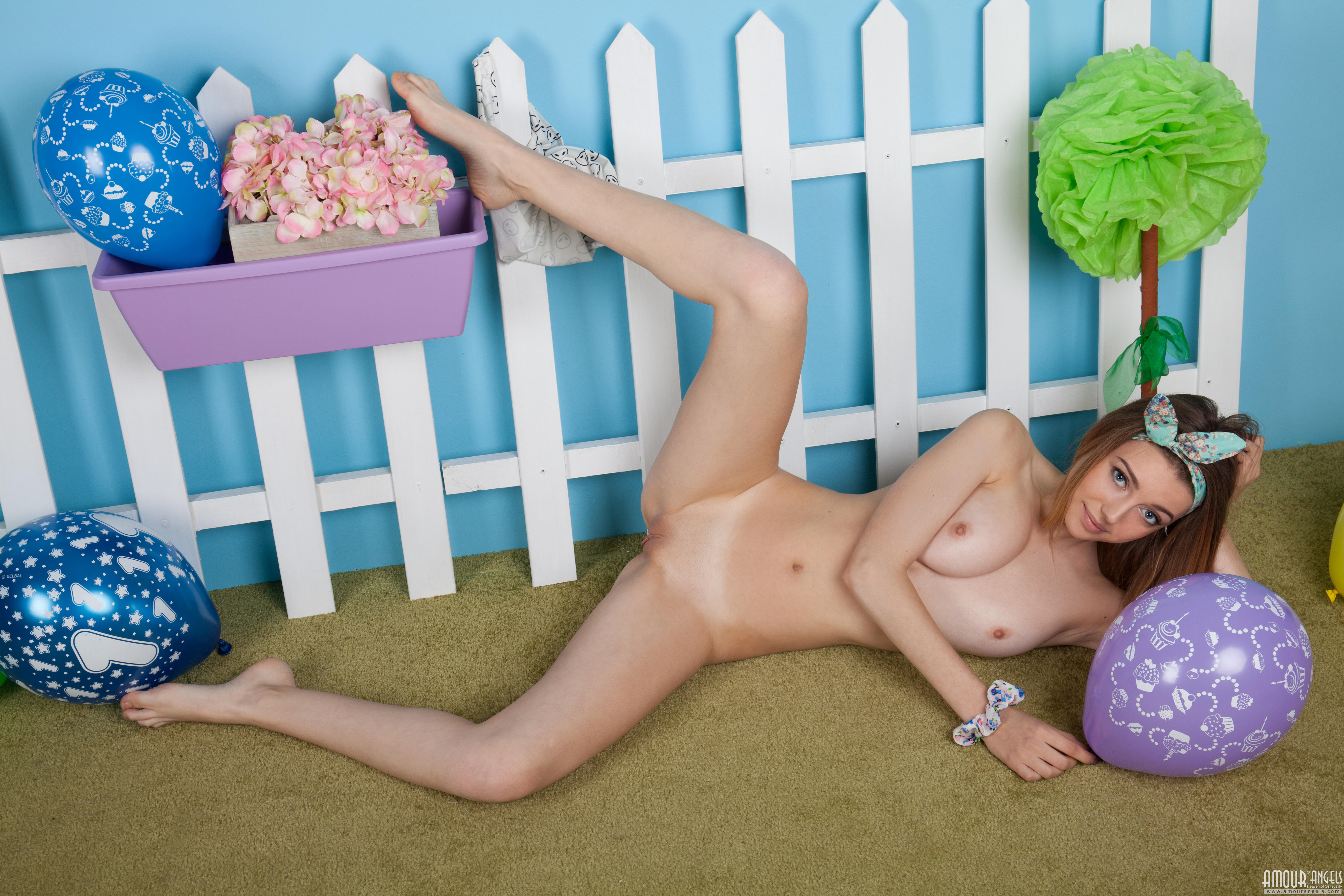 Aphrodita, красотка, голая