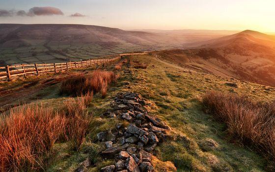 Фото бесплатно пастбище, ограждение, забор, простор, утро, солнце, холмы