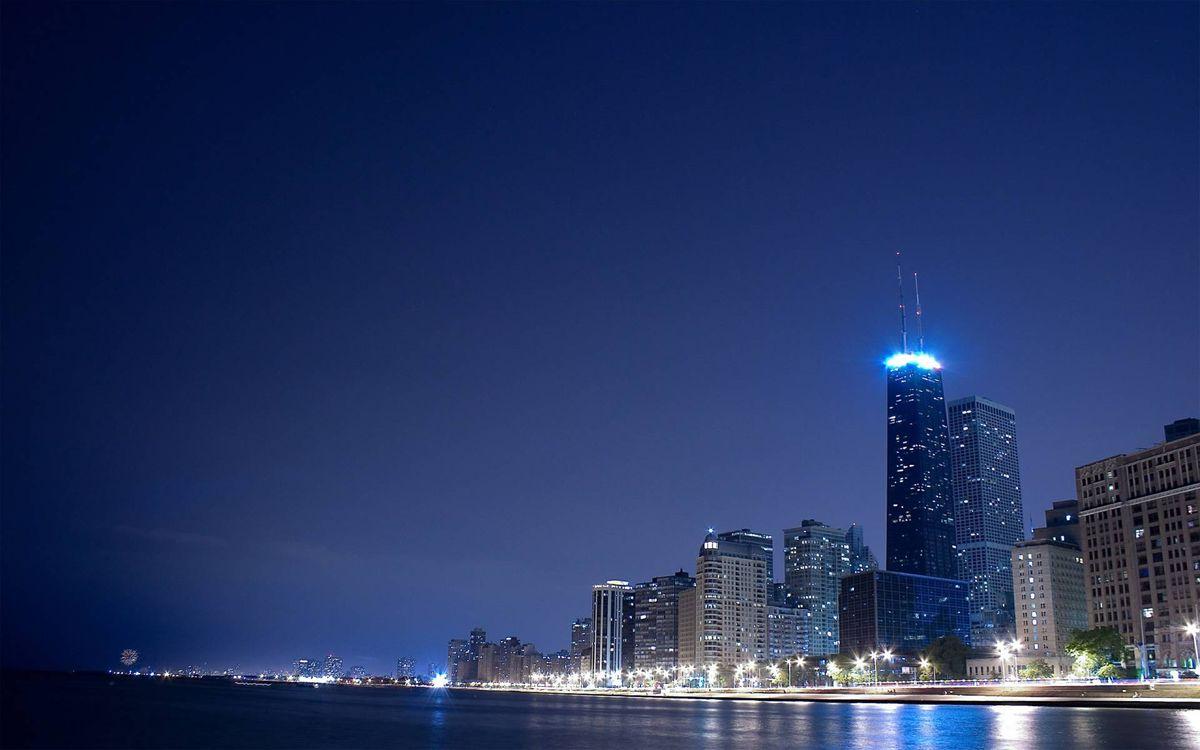 Фото бесплатно ночной город, небоскребы, пролив - на рабочий стол