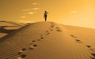 Бесплатные фото пустыня,песок,дюны,барханы,следы,мужчина,небо