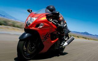 Фото бесплатно спортбайк, красный, мотоциклист