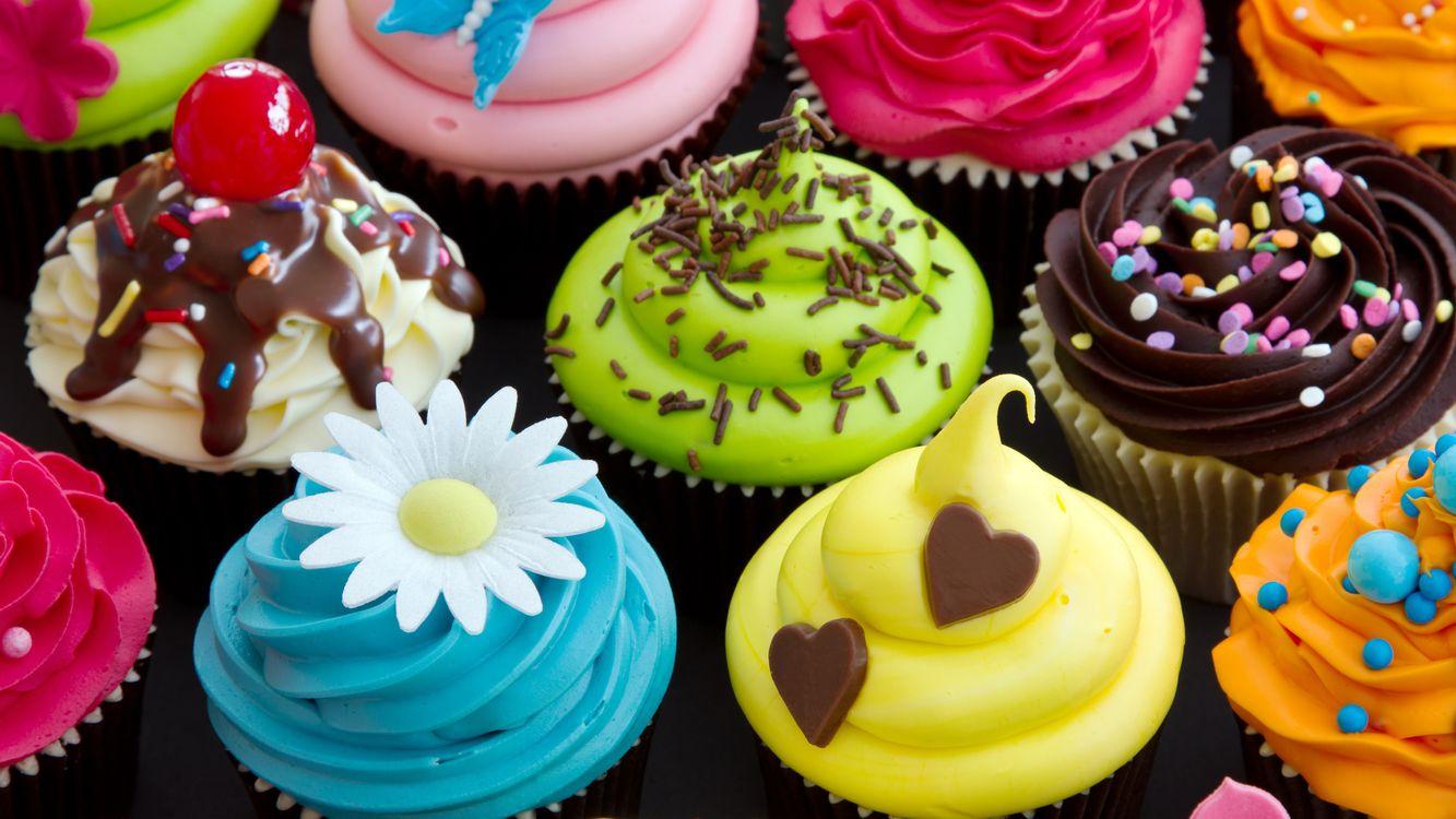 Фото бесплатно пирожное, корзинки, крем, разноцветный, посыпка, украшение, сладость, десерт, еда