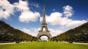 Заставки Париж,марсово поле,газон,деревья,эйфелева башня,достопримечательность