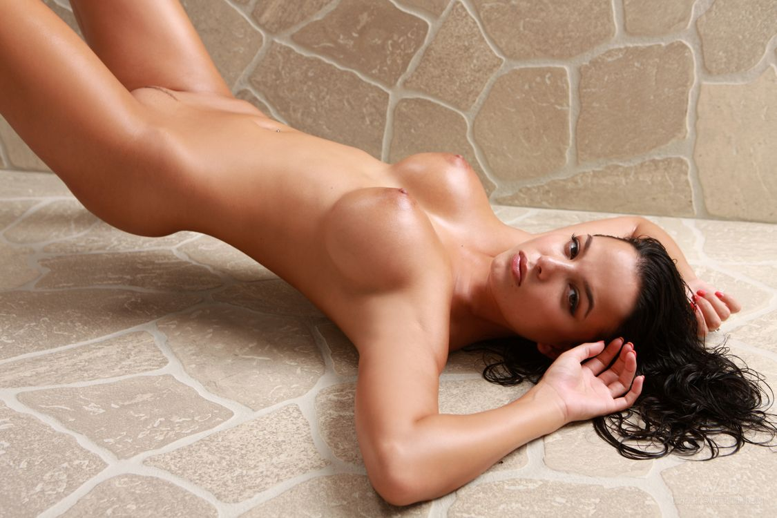 Sexyiest models naked wallpapers #3