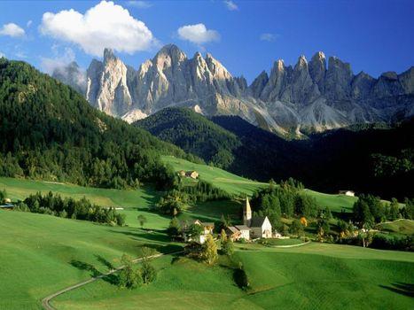 Заставки дворец, горы, газон