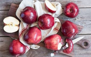 Заставки фрукты, яблоки, красные, кожура, нож, доска, еда