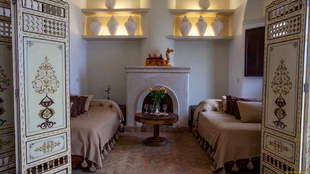 Фото бесплатно комната, кровати, дверь