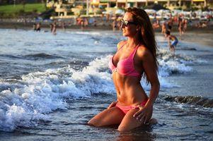 Бесплатные фото ludmila lion,девушка,модель,красавица,брюнетка,море,пляж
