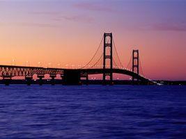 Фото бесплатно мост, небо, голубое, вода, свет, фонари, город