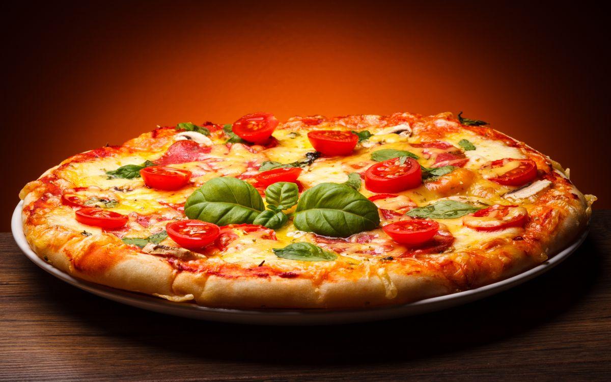 Фото бесплатно пицца, помидоры, сыр - на рабочий стол