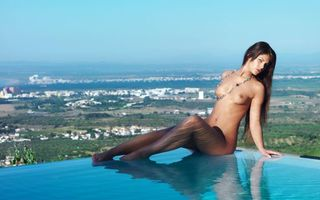 Фото бесплатно бассейн, пирсинг, эротика