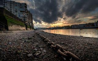 Бесплатные фото цепь,берег,реки,лодки,дома,город