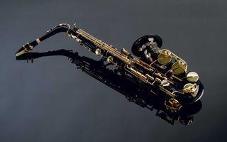 Бесплатные фото саксофон,клавиши,метал,отражение,музыка,инструмент