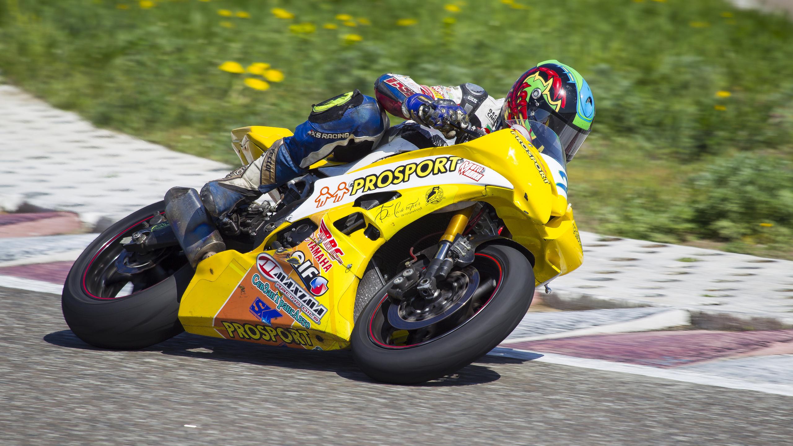 вираж гонка мотоциклы  № 3300085  скачать