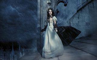 Бесплатные фото девушка,плащ,волосы,прическа,платье,дождь,гроза