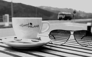 Фото бесплатно чашка кофе, очки, сахар