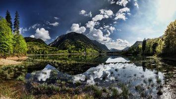 Бесплатные фото озеро,трава,отражение,деревья,горы,небо,облака