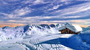 Бесплатные фото снег,белый,дом,крыша,горы,небо,облака