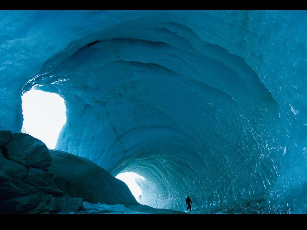 Фото бесплатно пещера во льду в горах - на рабочий стол