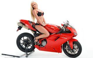 Фото бесплатно блондинка, мотоцикл, спортивный