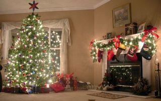 Фото бесплатно елка, украшение, камин