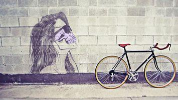 Заставки голова,девушка,волосы,череп,очки,зубы,велосипед