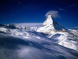 Бесплатные фото горы,снег,небо,голубое,облака,туман,природа