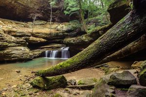 Бесплатные фото Hocking Hills State Park,Ohio,лес,скалы,водопад,деревья,пейзаж