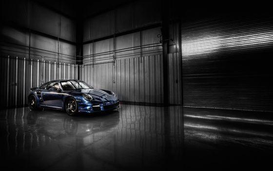 Photo free piston 911, garage, wheels