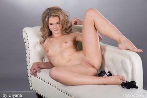 Бесплатные фото Sabina L,красотка,голая,голая девушка,обнаженная девушка,позы,поза