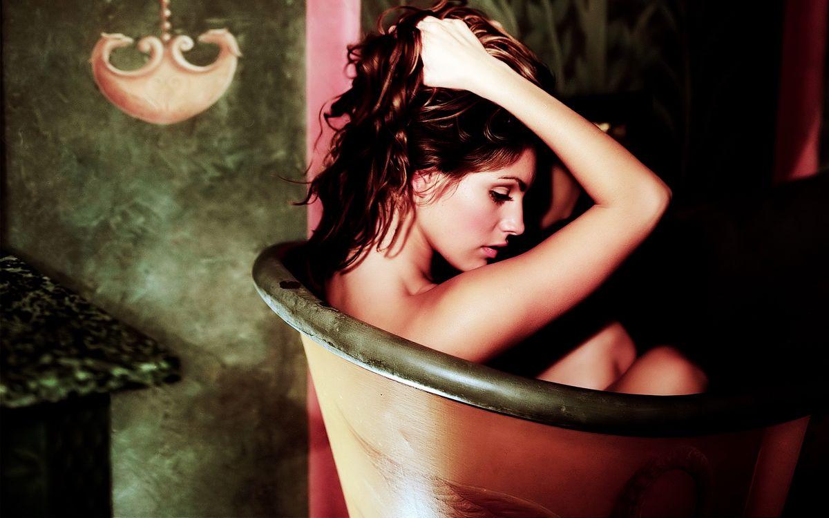 Фото бесплатно ванна, волосы, глаза - на рабочий стол