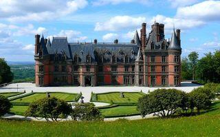 Бесплатные фото замок,имение,деревья,газоны,небо,облака,разное