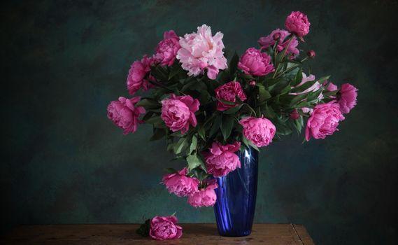 Фото бесплатно ваза, пионы, букет, синяя, розовые, цветы