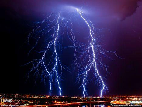 Фото бесплатно молнии, гроза, ночной город