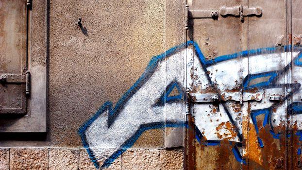 Фото бесплатно графити, стена, двери, завесы, железные, близко, абстракции