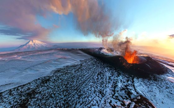 Photo free volcanic eruption, snow, winter