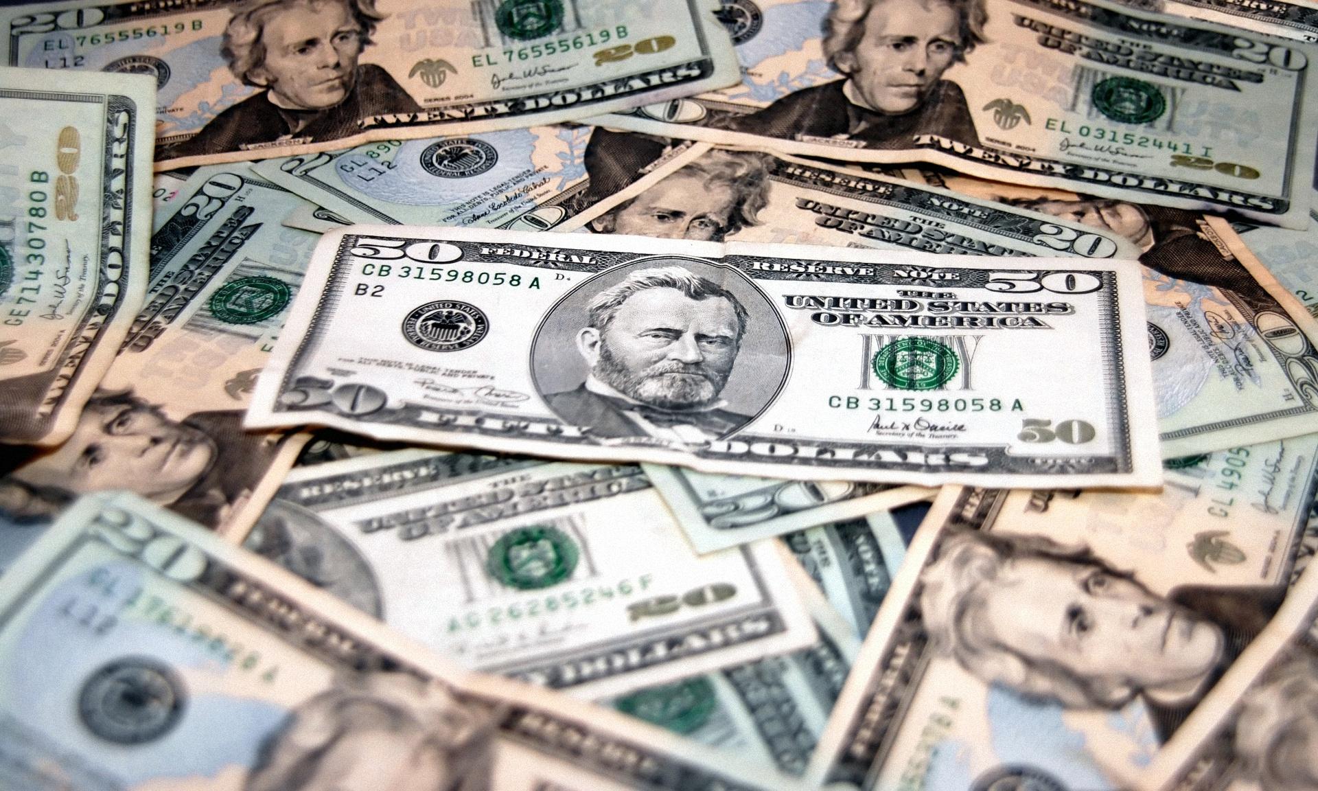 Обои с деньгами на рабочий стол