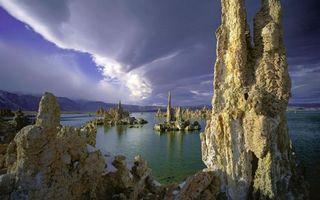 Фото бесплатно небо, тучи, озеро, вода, сталактиты, сталагмиты, горы, холмы, природа, пейзажи