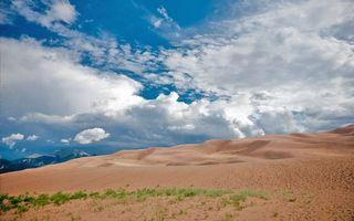Бесплатные фото пустыня,песок,горы,небо,трава,облака,солнце