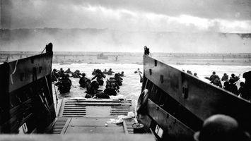 Заставки солдаты, война, река, вода, корабль, дым, оружие