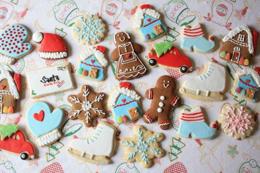 Заставки печенье, изделие, фигуры, домики, сердечки, коньки, снежинки, пища, еда
