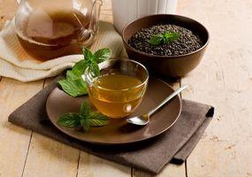 Бесплатные фото чай,чашка,ложка,блюдце,салфетка,мята,чайник