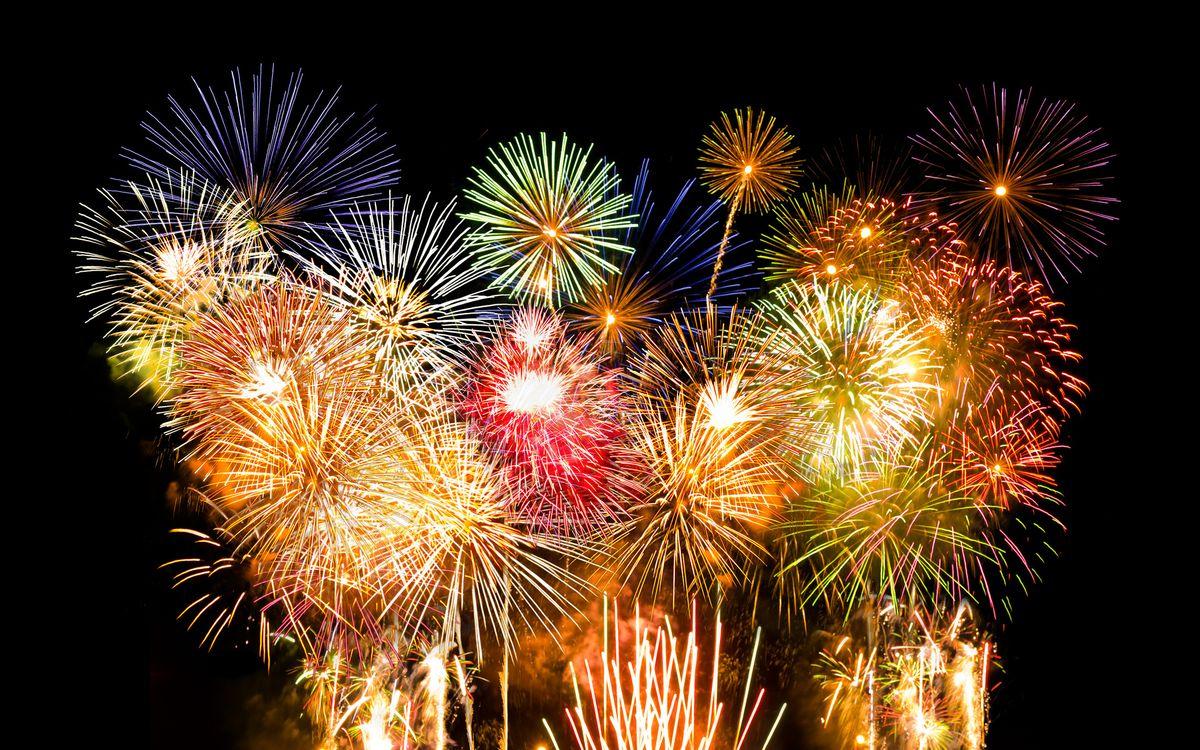 Обои фейерверк, огни, небо, ночь, вспышки, приздник, новый год на телефон   картинки новый год