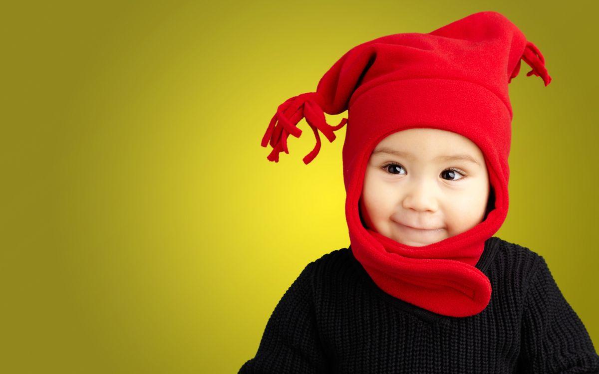 Фото бесплатно ребенок, малыш, шапка, красная, глаза, улыбка, разное, разное