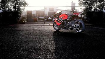 Бесплатные фото байк,сузуки,красный,резина,цепь,подножка,мотоциклы