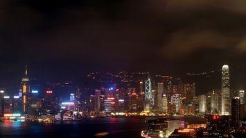 Бесплатные фото дома,высотки,многоэтажки,небо,вечер,сумерки,горы