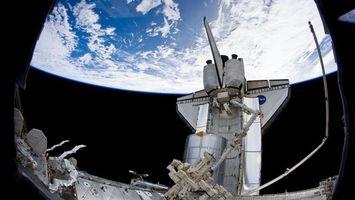 Фото бесплатно корабль, планета, земля, орбита, темно, высоко, космос