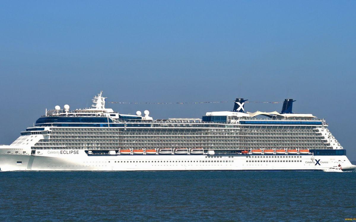 Фото бесплатно круизный лайнер, палубы, шлюпки, катер, море, корабли