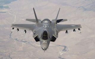 Бесплатные фото самолет,военный,кабина,стекло,крылья,горы,ракеты